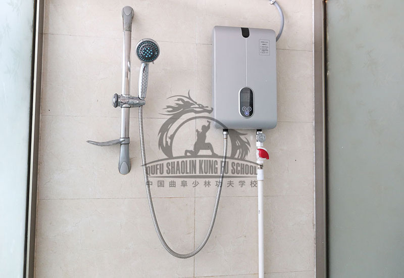showers with hot water