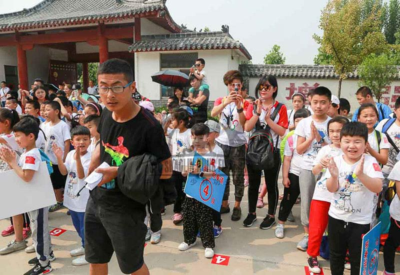 students visit kung fu school