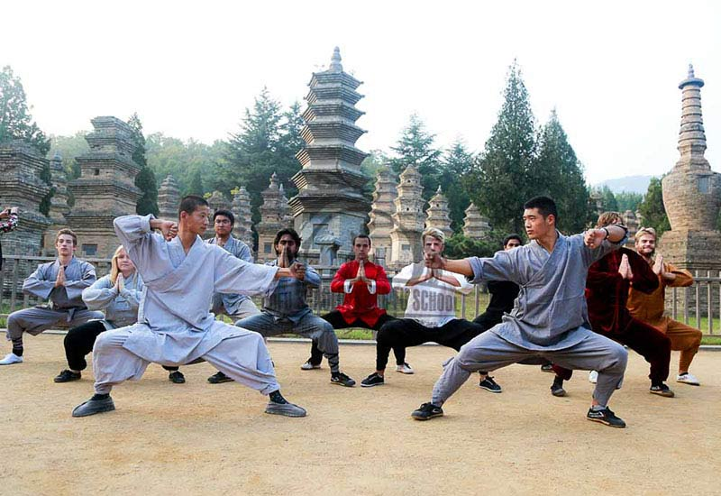 US Kung Fu Girl in Shaolin temple
