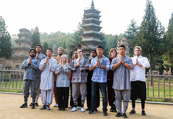 Group picture Shaolin Temple with the masters